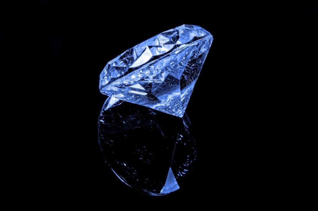 Diamond Symmetry Polish
