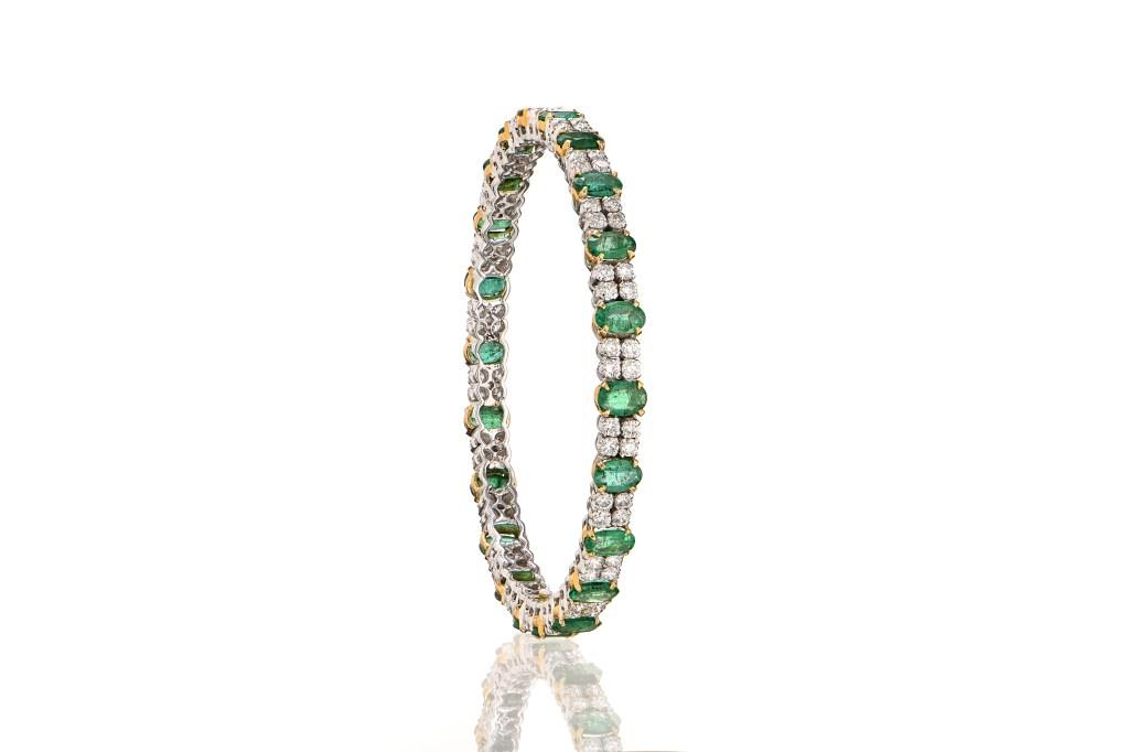 Diamond Emerald Bangles at Kanjimull